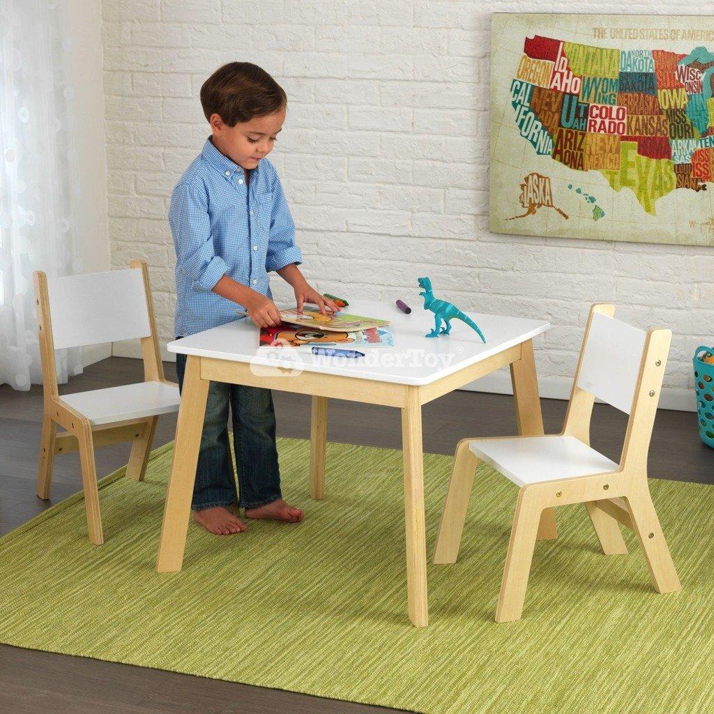 drewniany stolik z krzesełkami od kidkraft w wondertoy