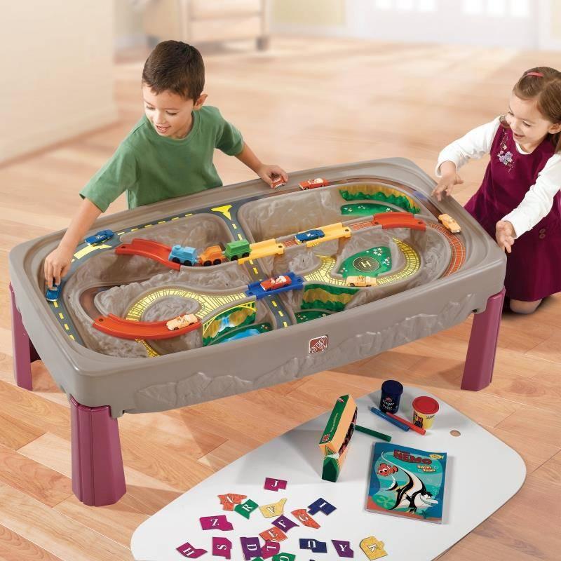 kolejka  ze stołem dla dzieci step2 wondertoy